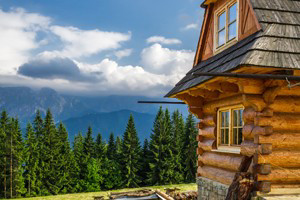 Book Your Perfect Glacier National Park Cabin Getaway :: Discover a hand-picked selection of cabin resorts, rentals, and getaways in Glacier National Park.